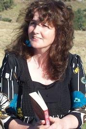 Dee small profile pic